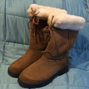 UGG Women's Chestnut Brown Boots, size 9